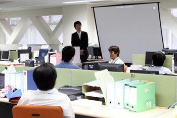 NTTレゾナント株式会社ポータル事業本部小鶴慎吾様の講演会を開催しました|お知らせ|NTTクラルティ株式会社